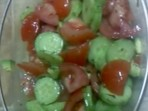 Салата с домати и авокадо