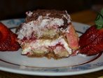 Торта с бишкоти, ягоди и маскарпоне
