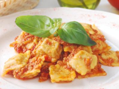 Тортелини с доматен сос