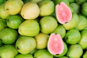 Гуава - диетичният плод