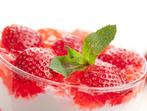 Желиран крем с ягоди и бишкоти