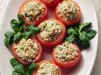 Пълнени домати с риба тон