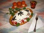 Доматена салата  с чесън