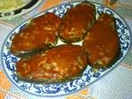 Пълнени патладжани с доматен сос
