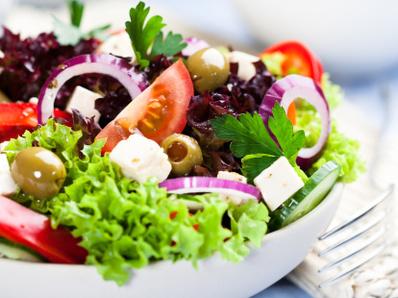Салата с мариновани зеленчуци