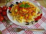 Фусили с доматен сос и тиквички