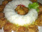 Панирани наденички в кладенче от ориз