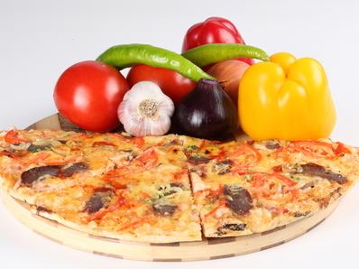 Лесна пица с козе сирене
