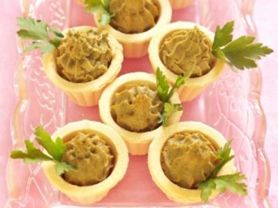 Тарталети с пастет от пилешки дробчета