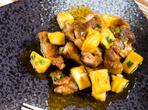Свинско с парченца ананас