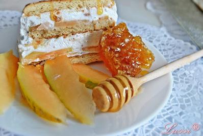 Изкусително семифредо с пъпеш и мед