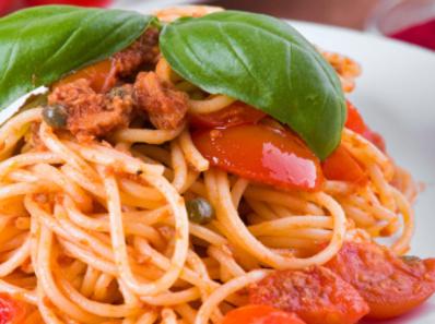 Спагети с риба тон и маслини