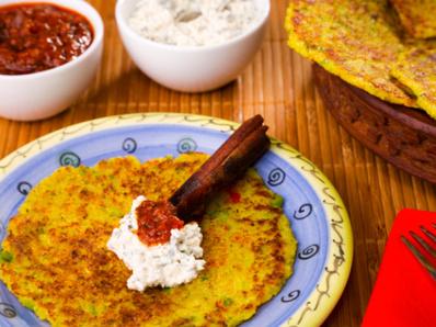 Индийски палачинки с домати и кокос