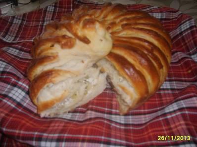 Празнична питка с праз и сирене