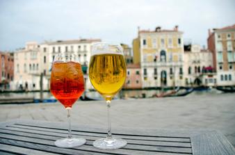Шприц - елегантен коктейл за празничните дни