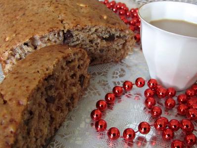 Коледен сладкиш с фурми и орехи