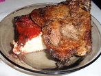 Мариновани свински пържоли и руло от чушки със сирене