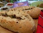Домашни багети с ръжени ядки и вкусна плънка