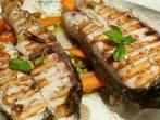 Грилована риба и зеленчуци