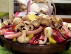 Сач със свински гърди, гъбки и картофки