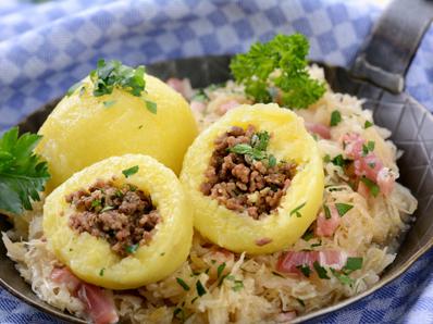 Руски пълнени картофени кнедли