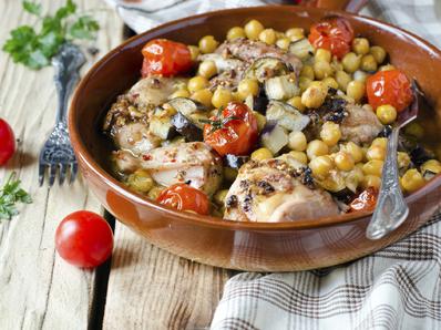 Пиле с нахут и зеленчуци