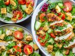 Богата карибска салата с пиле