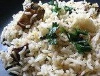 Гъби с ориз и зелен лук