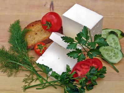 Запечено сирене с мед и орехи