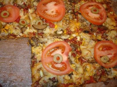 Домашна пица с кренвирши