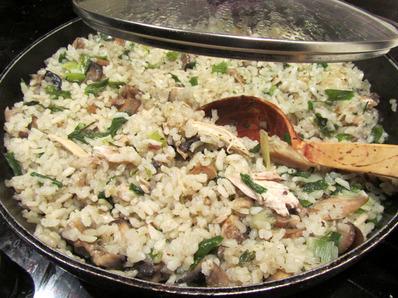 Пиле с ориз и гъби