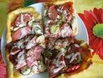 Пица с кашкавал и кренвирши