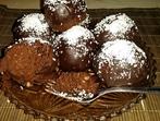 Шоколадови топки с ром и стафиди