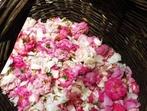 Автентичен казанлъшки ликьор от рози (рецепта)