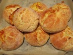 Хлебчета със сирене и кашкавал
