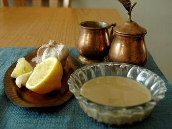 Сос Тахини - неизменна част от арабската кухня