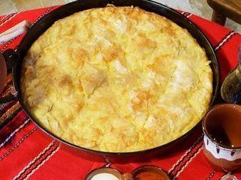 Вкусна баница с картофена плънка