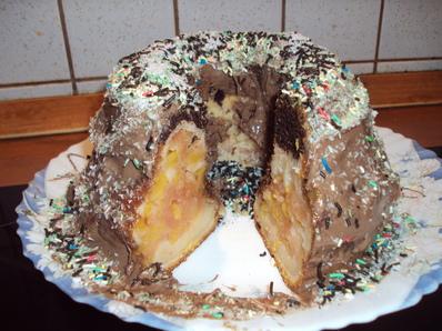 Кекс с плодове и шоколадова заливка