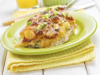 Печени картофи със салам