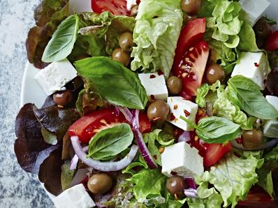 Гръцка салата със сирене фета