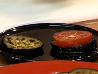 Патладжанени кръгчета с домати и пармезан