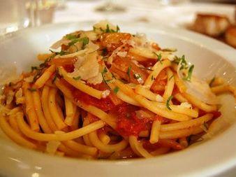 Спагети, макарони, лазаня или пица за неделния ден!