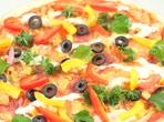 Шарена зеленчукова пица