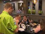 Уникален ресторант, обслужван изцяло от глухи сервитьори