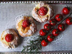 Хлебчета с чери домати и розмарин