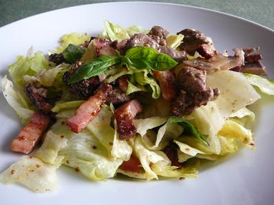 Салата с телешко месо и бекон
