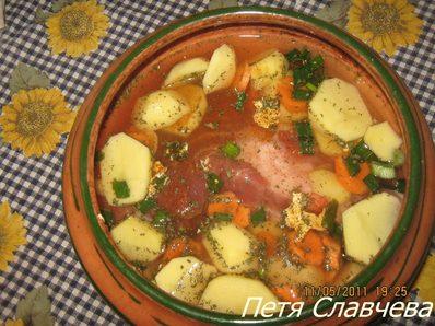 Агнешко с картофи и моркови