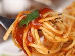 Спагети с кайма и топено сирене