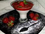 Панакота с ягодов сос