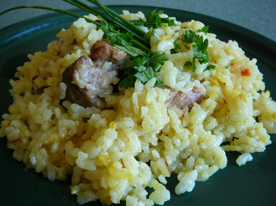 Свинско с жълт ориз